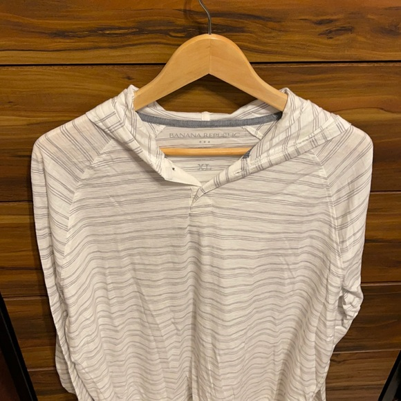 Banana Republic long sleeve tee with hood